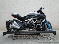 【全新杜卡迪街车】2012年全新意大利杜卡迪魔鬼黑色Mercedes-AMG GmbH版