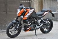2012 轻巧如燕的小型街车KTM 2012 200 DUKE 橙黑