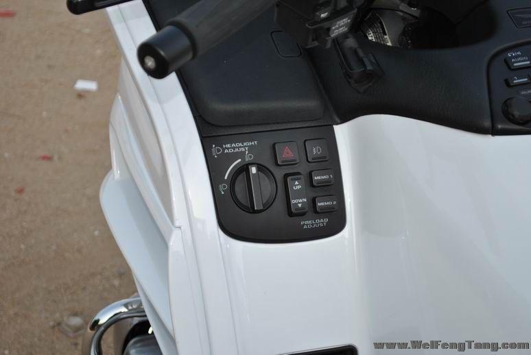 08款 本田金翼GL1800 正三轮 白色 Gold Wing 1800图片 3