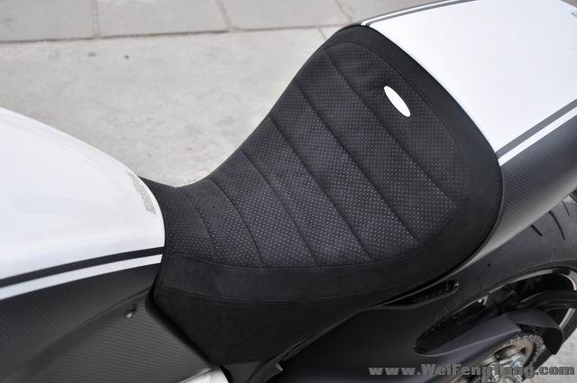 全新AMG限量版杜卡迪大魔鬼再次到货 黑白色 Diavel图片 1