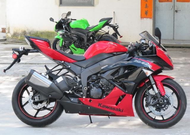 新到2012款川崎忍者Ninja  ZX-6R 黑红色 图片 2