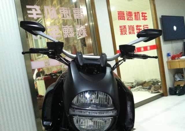 黑色 杜卡迪 大魔鬼。原漆黑色 即将到京 接受预定 Diavel图片 2