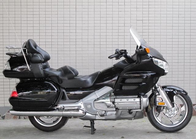 新到2006年本田金翼 GL-1800 黑色 Gold Wing 1800图片 2