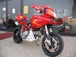 杜卡迪MTS1000摩托车