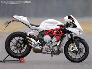 奥古斯塔F3摩托车