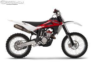 胡斯瓦纳TC250摩托车